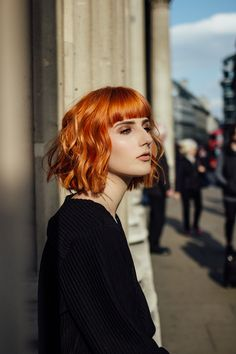 Red Hair With Bangs, Bob With Bangs, Wavy Bobs, Self Discovery, Hairstyles With Bangs, Brown Hair, Sunnies, Style Fashion, Blogging