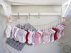 Käsin taiottu: Ommeltu joulusukkakalenteri x 3 Clothes Hanger, Coat Hanger, Clothes Hangers, Clothes Racks