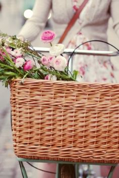 """And I also wish I lived someplace that wasn't so stinking hot, thus making this a more reasonable request.  Loved this from the sales pitch: """"What is it about a grocer's bicycle basket that makes everybody sigh with nostalgic lust....?! """""""