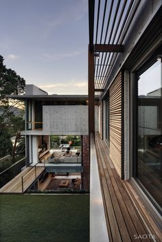 Home on Glen Avenue in Higgovale, Cape Town. By SAOTA (Stefan Antoni Olmesdahl Truen Architects), 2012.