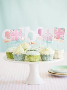 pastel, bon voyage, london calling, cupcakes, british style, royal weddings, afternoon tea, british boys, parti