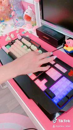 Gamer Setup, Gaming Room Setup, Pc Setup, Cool Gaming Setups, Laptop Gaming Setup, Cute Room Ideas, Cute Room Decor, Gamer Room, Pc Gamer