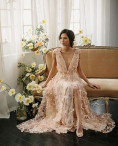 Não sei vocês, mas eu apaixonei neste vestido Blush para noivas modernas!!!! 😱💕🌸 @alexandragrecco arrasou!!!