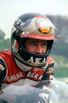 Barry Sheene - a proper racer & bad boy! Motorcycle Racers, Racing Motorcycles, Vintage Motorcycles, Motorcycle Helmets, Vintage Helmet, Vintage Racing, Grand Prix, Motos Vintage, Classic Motors