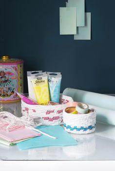 Ompele kori muovipusseista. Sew an basket using plastic bags. | Unelmien Talo&Koti Kuva ja ohje: Jutta Rikola