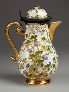 Magnificent Meissen-Coffee-Pot-with-Kangxi-Palette-Colours-and-Gilded-Applied-and-Painted-Decoration.