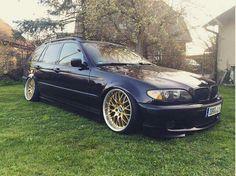 BMW E46 3 series Touring black slammed