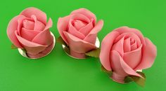 Hello everyone in cake decorating land! I am back with another wonderful tutorial from Chef Nicholas Lodge! This one I am pretty excited about, I really love the design and how easy it is to recreate at home or in your bakery. Cake Decorating Classes, Rolling Fondant, Rose Tutorial, Cake Blog, Hello Everyone, Cupcakes, Pretty, Flowers, Cupcake Ideas