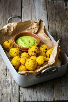 Le polpette sono tra i piatti preferiti dei bambini: in questa ricetta sono a base di miglio e verdure. Ideali per tutta la famiglia.
