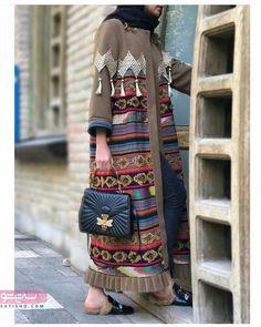 ایده برای دوخت مانتو سنتی و طرح گلدوزی شده ر. - Tesettür Hırka Modelleri 2020 - Tesettür Modelleri ve Modası 2019 ve 2020 Abaya Fashion, Muslim Fashion, Kimono Fashion, Modest Fashion, Fashion Dresses, Mode Abaya, Mode Hijab, Modest Dresses, Modest Outfits