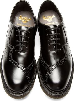 Dr. Martens: Black Leathed Twisted Claude Brogues