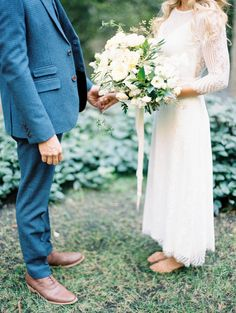 Photography : Winsome + Wright Read More on SMP: http://www.stylemepretty.com/california-weddings/big-sur/2015/12/16/romantic-relaxed-elopement-in-big-sur/