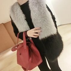 Women's Elegant Faux Fur Pure Color V Neck Sleevless Fitted Vest Workout Vest, Zara Jackets, Outerwear Women, Zara Black, Black And Grey, Gray, Faux Fur, Pure Products, Womens Fashion
