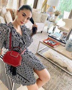 Heart Evangelista sur Instagram : «Black coffee, please! ☕» Heart Evangelista Style, Effortless Chic, Asian Style, Urban Fashion, Frocks, That Look, Feminine, Glamour, Style Inspiration
