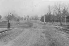 Lonsdale st - Dandenong - 1900's Melbourne Victoria, Victoria Australia, Melbourne Suburbs, Beautiful Images, Old Photos, The Past, Country Roads, Spaces, History