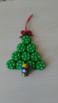 Bottle cap christmas tree