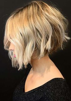 29 Wonderful Bob Haircuts with Bangs and Fringes - The First-Hand Fashion News for Females Bob Haircuts For Women, Short Bob Haircuts, Girl Short Hair, Short Hair Cuts, Look Gatsby, Short Textured Hair, Bob Haircut With Bangs, Haircut Long, Haircut Medium