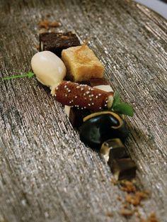 Chocolademozaïek van Niven: hopjesijs met hazelnootbiscuit | ELLE Eten NL
