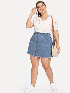 Casual simple blue button jeans plus size - brazil shein sheinside. Plus Size Jeans, Plus Size Skirts, Plus Size Casual, Curvy Girl Outfits, Casual Outfits, Fashion Outfits, Casual Jeans, Summer Outfits, Denim Fashion