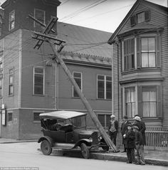 Fascinating photos from the 1920s and 30s show the dramatic and tragic side effect of the golden age of American motoring. The pictures were taken in and around Boston, Massachusetts by Leslie Jones, who was staff photographer at the Boston-Herald Traveler newspaper from 1917 to 1956.