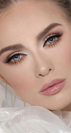 The last thing you need on your special day is worrying about your makeup and whether it is staying on, still fresh and as beautiful … Bridal Makeup For Blue Eyes, Brown Skin Makeup, Neutral Eye Makeup, Wedding Makeup Looks, Dramatic Makeup, Blue Eye Makeup, Night Makeup, Day Makeup, Makeup Tips