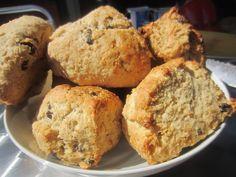Gunns momsemat: Scones med rosin og sitron Scones, Muffin, Bread, Breakfast, Food, Morning Coffee, Brot, Essen, Muffins