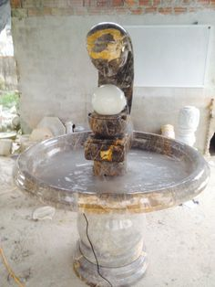 Fountain in brown vein marble.  Pls contact danang.marble@gmail.com or danangmarble.com.vn for order or more information.