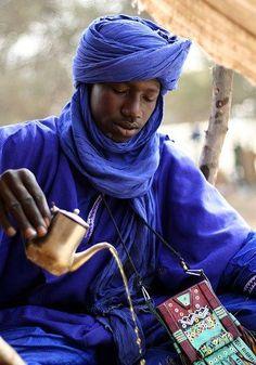 Tuareg Clothing | Arab Tea Ceremony, Tuareg Man Preparing The Traditional Sweet Mint Tea ...