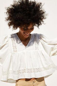 Mode Hijab, Zara Women, White Fashion, Lace Tops, Cute Shirts, Indian Outfits, Shirt Blouses, Blouses For Women, Cute Outfits