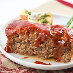 The Best Meatloaf Recipe {VIDEO} — Pip and Ebby - easy, delicious recipes! Meatloaf Recipe Video, Meatloaf Recipes, Meat Recipes, Cooking Recipes, Dinner Recipes, Meatloaf Recipe With Ritz Crackers, Healthy Recipes, Homemade Meatloaf, Recipies