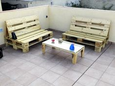 Zona chill out hecha con palets