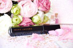 J'ai trouvé THE mascara parfait ! Ce nouveau mascara Velvet Noir de chez Marc Jacobs est tout simplement incroyable et nous fait des cils de folie !