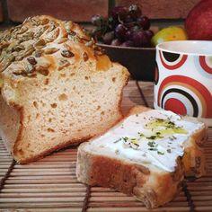 Pão bem versátil e não precisa esperar a massa crescer. Quer mais o que? :)
