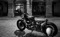 Moto Guzzi 1100 Cafe Racer by Zombie Customs - Photo by Guillaume Ducasse Photography #motorcycles #caferacer #motos | caferacerpasion.com