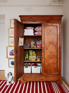 Turn a large armoire/wardrobe into a toy storage. Turn a large armoire/wardrobe into a toy storage. Antique Wardrobe, Antique Armoire, Armoire Wardrobe, Clothes Drawer Organization, Household Organization, Bedroom Organization, Shaker Furniture, Furniture Storage, Furniture Makeover