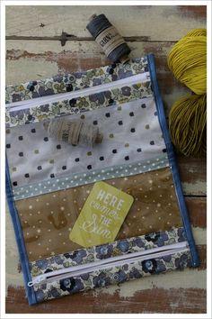 version double de la pochette happy du livre petites coutures pour bout de tissus angel melie, tuto pdf offert