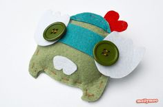 Feltie Friends from #IvyPress Craft Book Review  http://mollymoo.ie/felties-craft-book-review/  Star Felties - a tidy little book of eight adorable soft toy alien creations to simply stick and sew. The palm size characters in this craft book book are perfect for small hands - little bite-size aliens - and the amount of sewing required for each character is minimal (perfect for short attention spans!!)