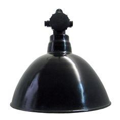 biesdorf   Verlichting   360volt. De grootste collectie oude originele industrielampen. Gespecialiseerd in fabrieks-, emaille en de industriele lampen.