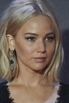 Jennifer Lawrence make and hair