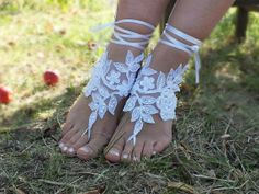 I found 'Free Ship bridal bangle,white,beach wedding embrodeired flowers, beach wedding barefoot sandals, wedding bangles, anklets, bridal, wedding' on Wish, check it out!