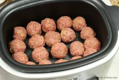 Crockpot meatball subs are amazing! This Meatball sub recipe is packed with flavor and its so simple! The tomato sauce is so delicious and the homemade meatballs are the best. Give this Crockpot meatball sub recipe a try. Your family will love it! Meatball Sub Recipe, Meatball Subs, Crockpot Meat, Crockpot Recipes, Healthy Recipes, Tutorial Diy, Crock Pot Meatballs, Freezer Cooking, Tomato Sauce