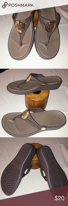 255564cb40e55a BRAND NEW CROCS Brown with gold tone design in front CROCS Shoes Sandals  Women s Crocs