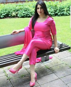 I wanted to try something different and made a satin hot pink plain outfit with statement diamanté ankle ties on the trousers and a matching choker and bracelet! Sexy Outfits, Sexy Dresses, Girls Dresses, Desi Wear, Evening Outfits, Indian Designer Outfits, Most Beautiful Indian Actress, Curvy Women Fashion, Indian Beauty Saree