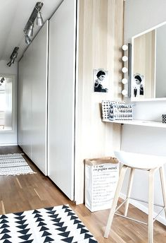 Vanity idea - use a shallow wall shelf - add stool, table lamp, makeup box & mirror. Keep it simple & space saving. Closet Bedroom, Bedroom Inspo, Dream Bedroom, Home Bedroom, Bedroom Decor, Bedroom Black, Master Bedrooms, Armoire Entree, Home Interior