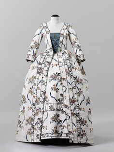 Robe à la française ca. 1775    From the Swiss National Museum
