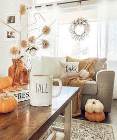 Halloween Living Room, Fall Living Room, Living Room Decor, Fall Apartment Decor, Fall Room Decor, Autumn Interior, Autumn Decorating, Autumn Home, Happy Fall