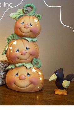 Ceramic ready to paint Halloween pumpkins - Polymer Clay Halloween, Polymer Clay Projects, Diy Clay, Ceramic Bisque, Ceramic Clay, Ceramic Painting, Halloween Pumpkins, Fall Halloween, Halloween Crafts