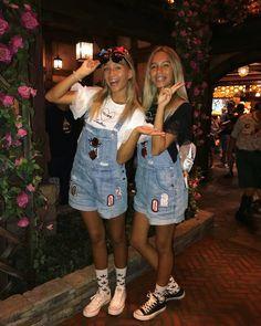 Lisa and Lena at Disneyland in Tokyo
