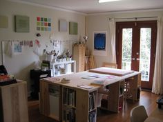 art studio design ideas for small spaces | ... Workspace Oak Design: Incredible Craft Studio Design for Small Space
