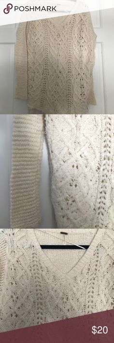 free people cable knit v sweater free people cream cable knit v sweater. xs. runs long and boxy. it came frayed and gets frayed with wash. 100% cotton Free People Sweaters V-Necks